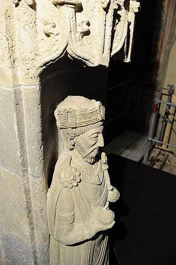 Karl d. Gr. als Stuckfigur in der Klosterkirche von Müstair, um 1200 [muestair.ch]